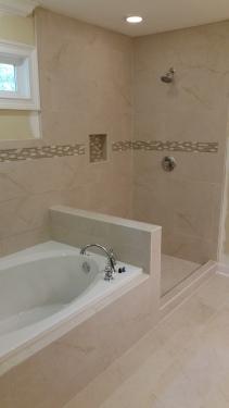 Spa Tub & Shower
